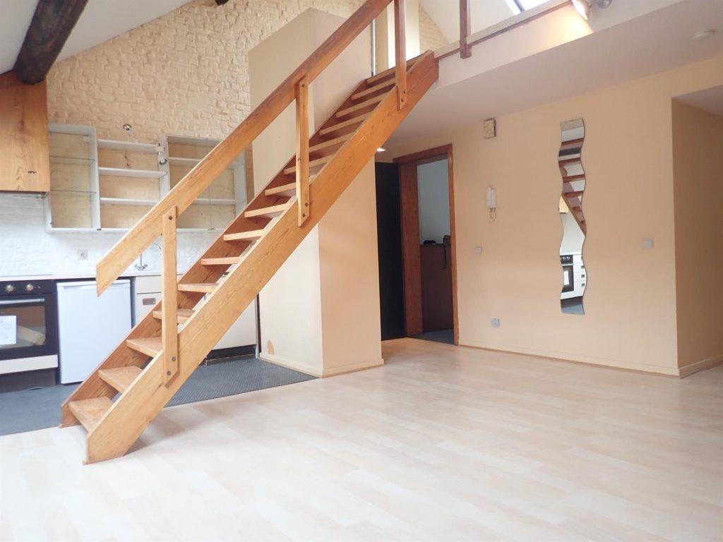 STEPHANIE – cosy apt 1 chambre +/-75m2 prox shops/transports